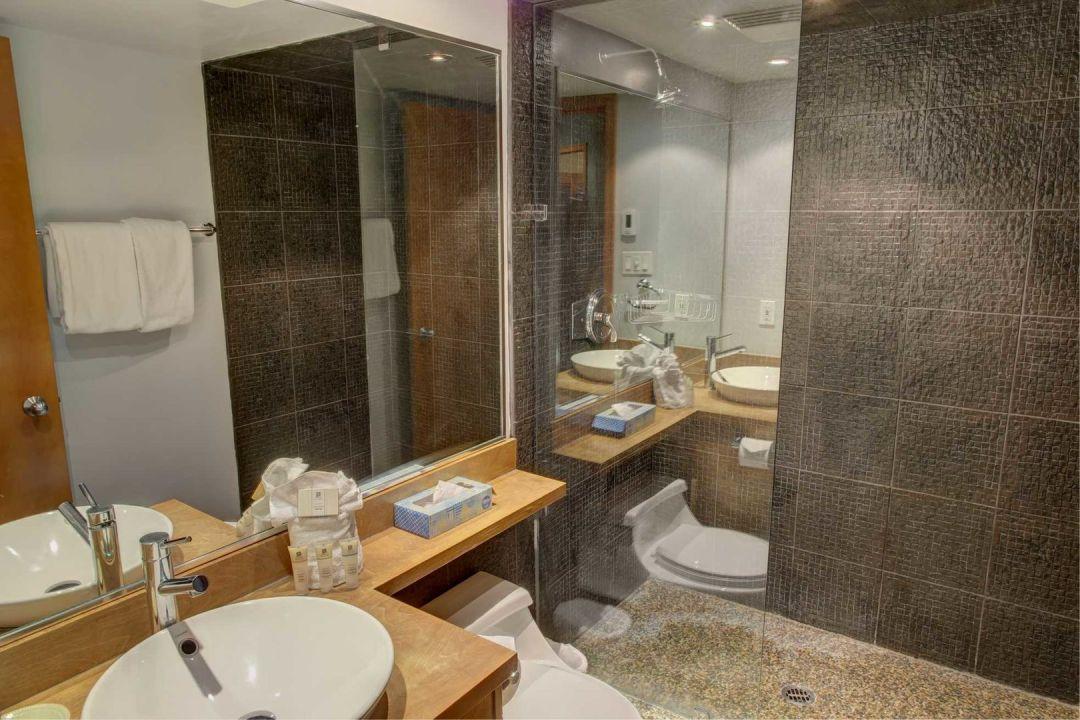 Aspens 2 Bedroom Unit 112 BATH2