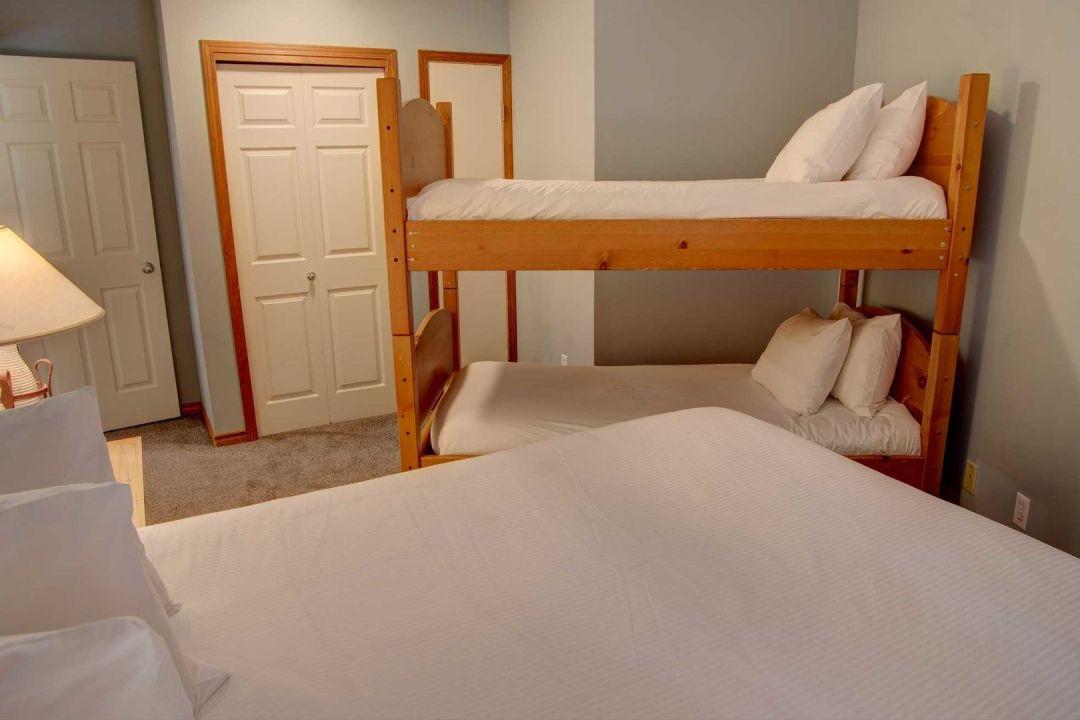 Aspens 2 Bedroom Unit 207 BR3