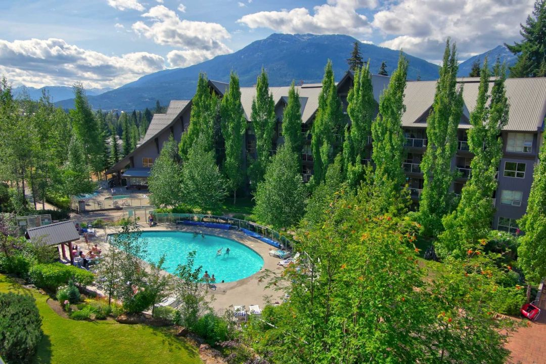 Aspens 2 Bedroom Unit 207 POOL2