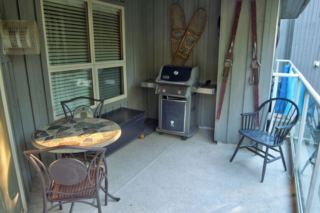 Aspens 2 Bedroom Unit 220 BBQ