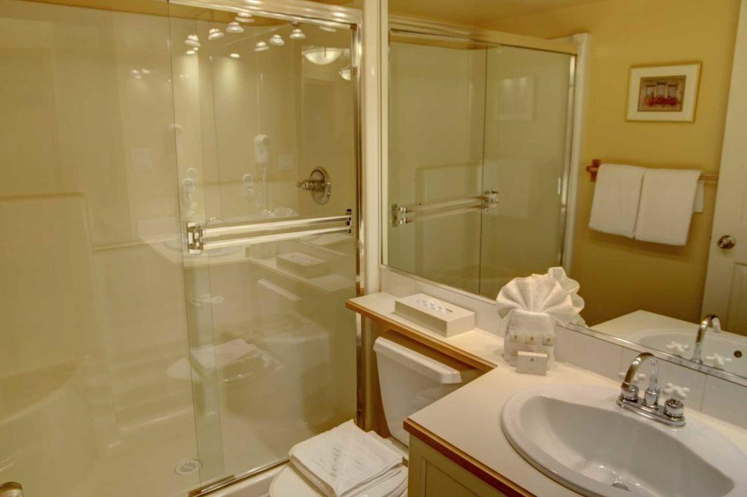 Aspens 2 Bedroom Unit 227 BATH2