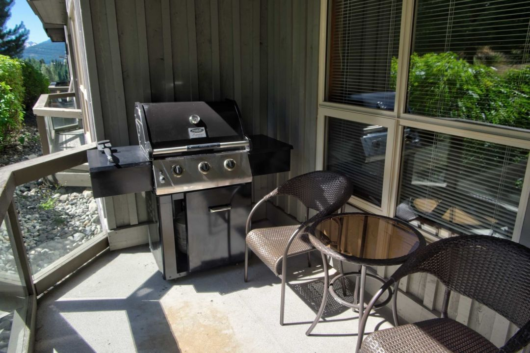 Aspens 2 Bedroom Unit 252 BBQ