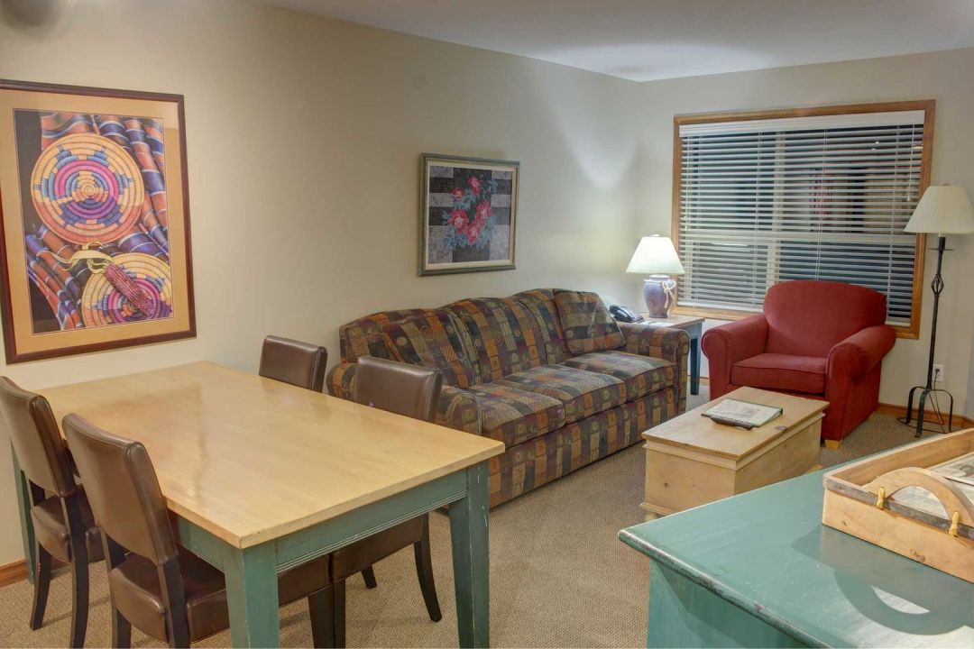 Aspens 2 Bedroom Unit 319 LR