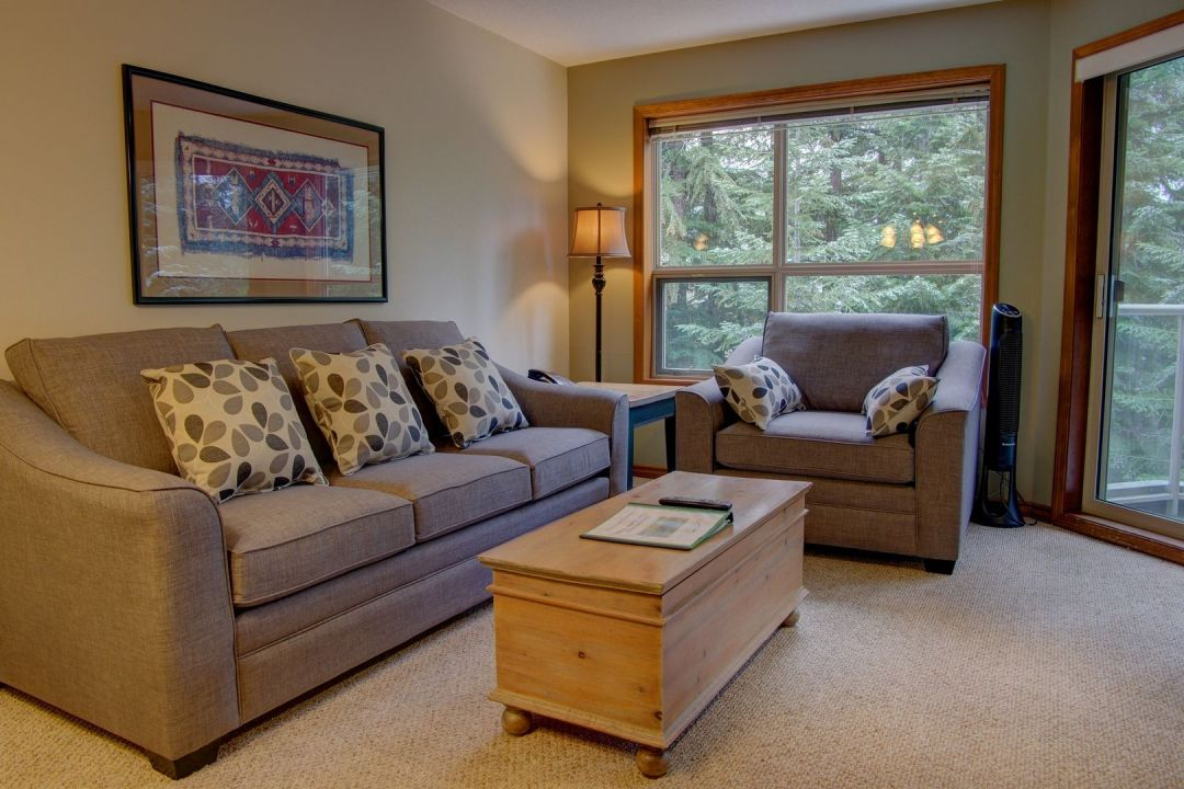 Aspens 1 Bedroom Unit 328 LR