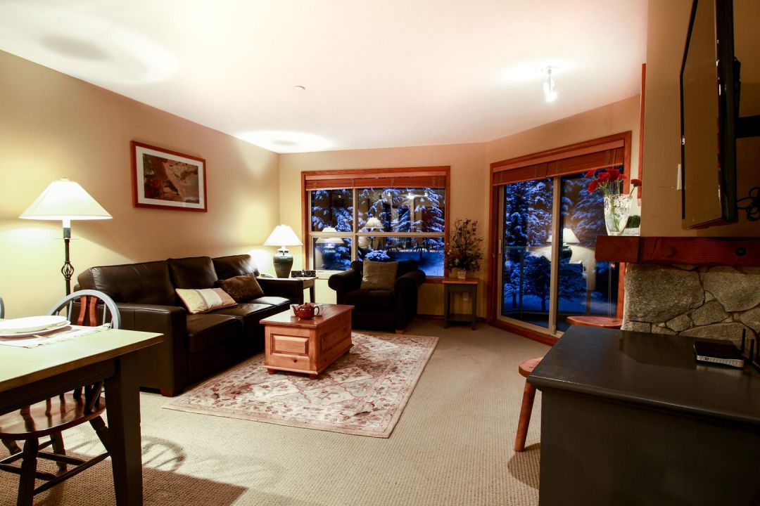 Aspens 2 Bedroom Unit 349 LR2