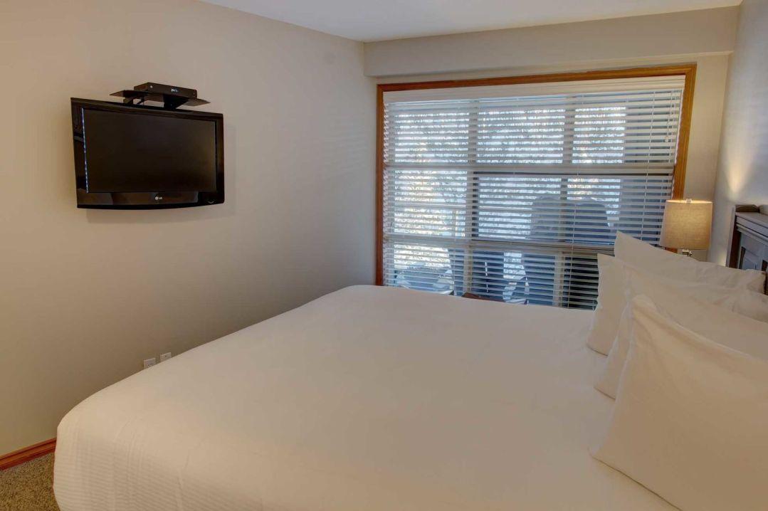 Aspens 1 Bedroom Unit 545 BR2