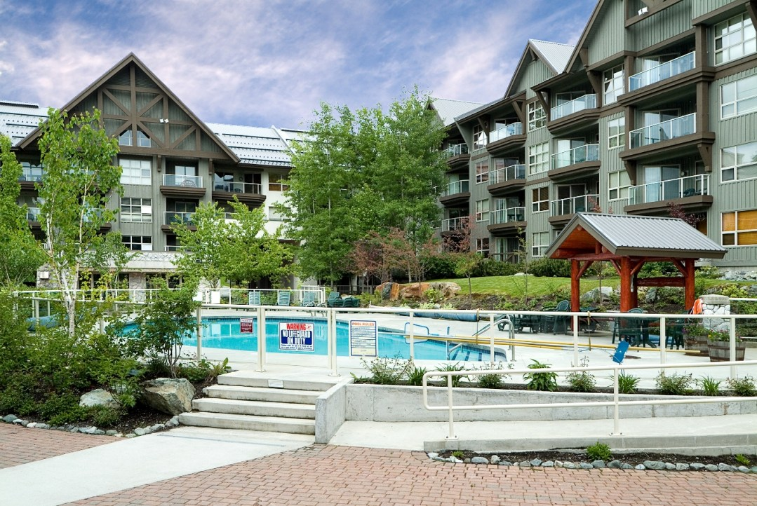 Aspens on Blackcomb Outdoor Pool and Hot Tubs