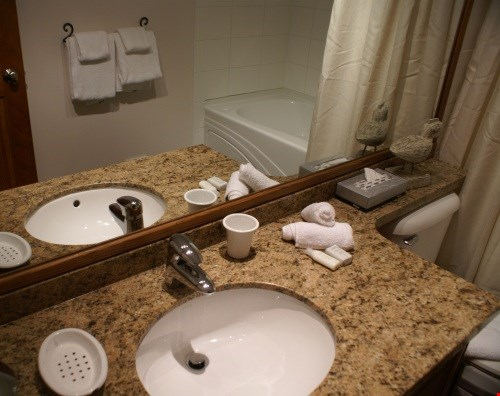 Blackcomb Greens 2 Bedroom Unit #6 BATH2