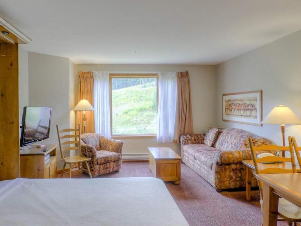 Cahilty Hotel & Suites Studio - Bed