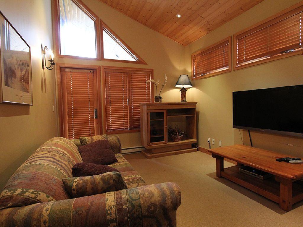 Cedar Hollow 11 Whistler Vacation Rental (2)