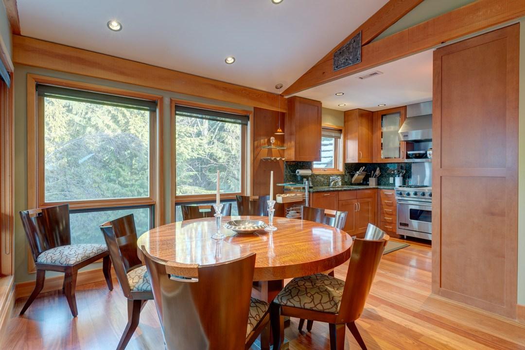 Cedar Hollow Whistler Ski In Ski Out 4 Bedroom Dining Room