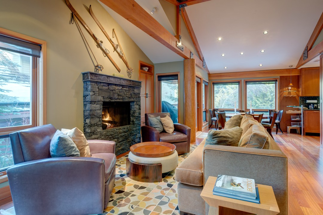 Cedar Hollow Whistler Ski In Ski Out 4 Bedroom Living