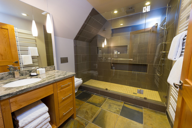 Cedar Ridge Whistler Ski In Ski Out Master Bath
