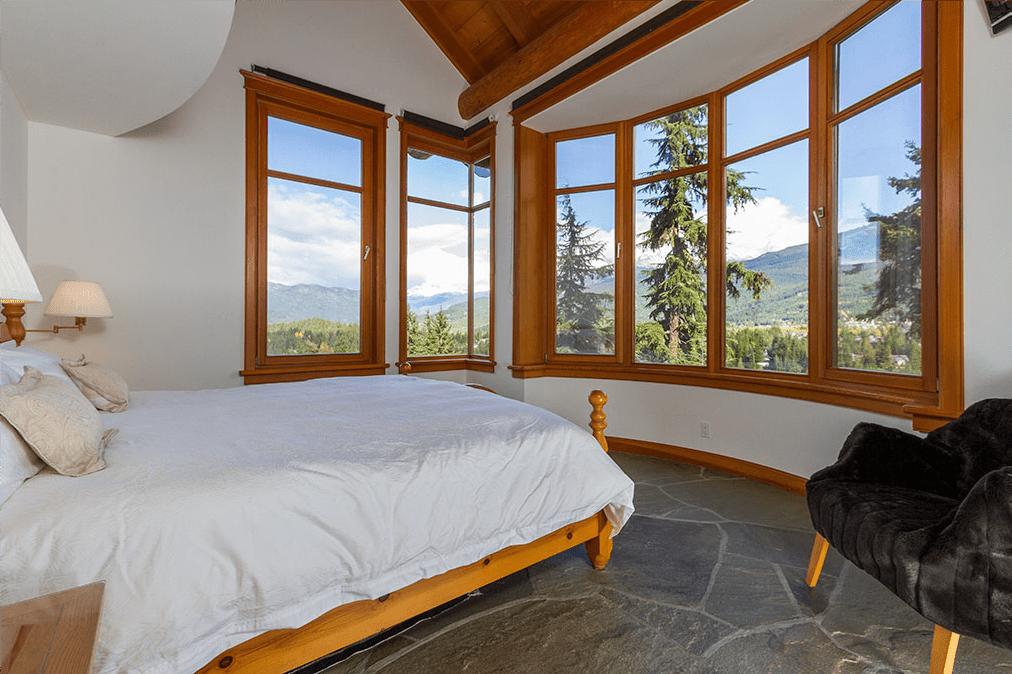 Chalet Whistler Peak Master