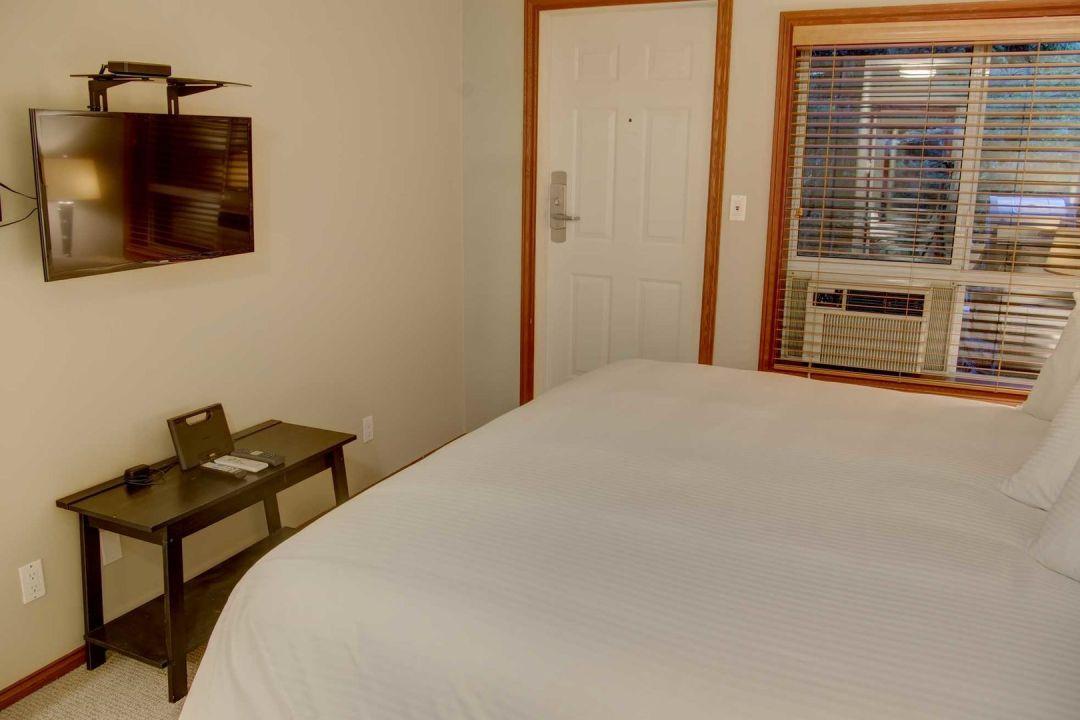 Glacier's Reach 1 Bedroom Unit 101A BR2
