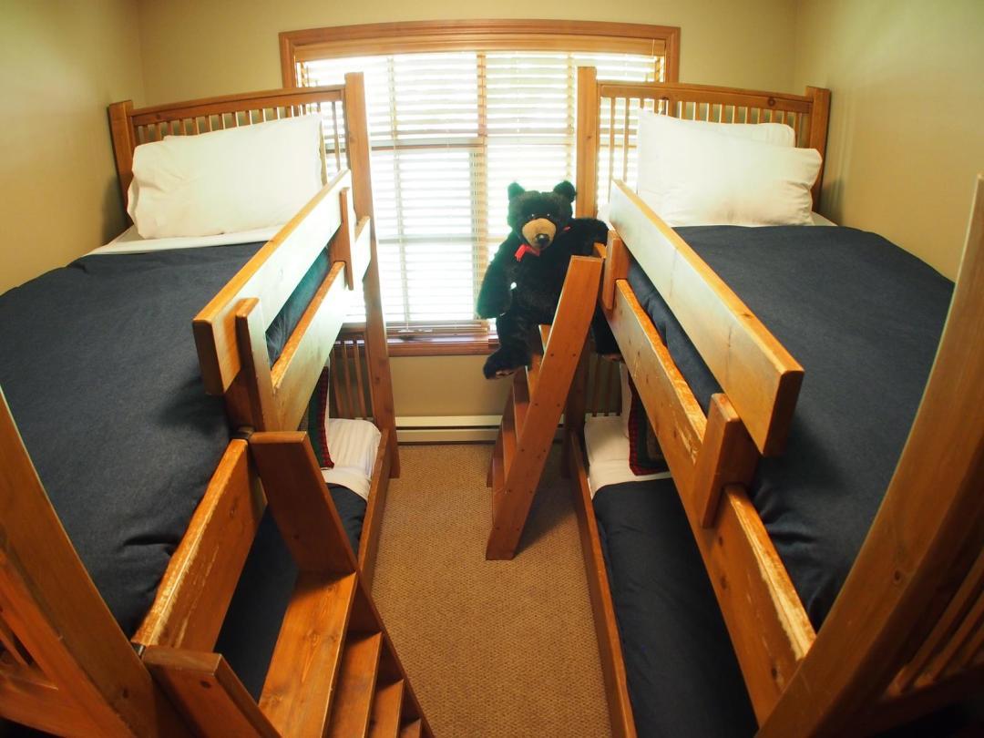 Trail's Edge 3 Bedroom + Den Unit #52 BR