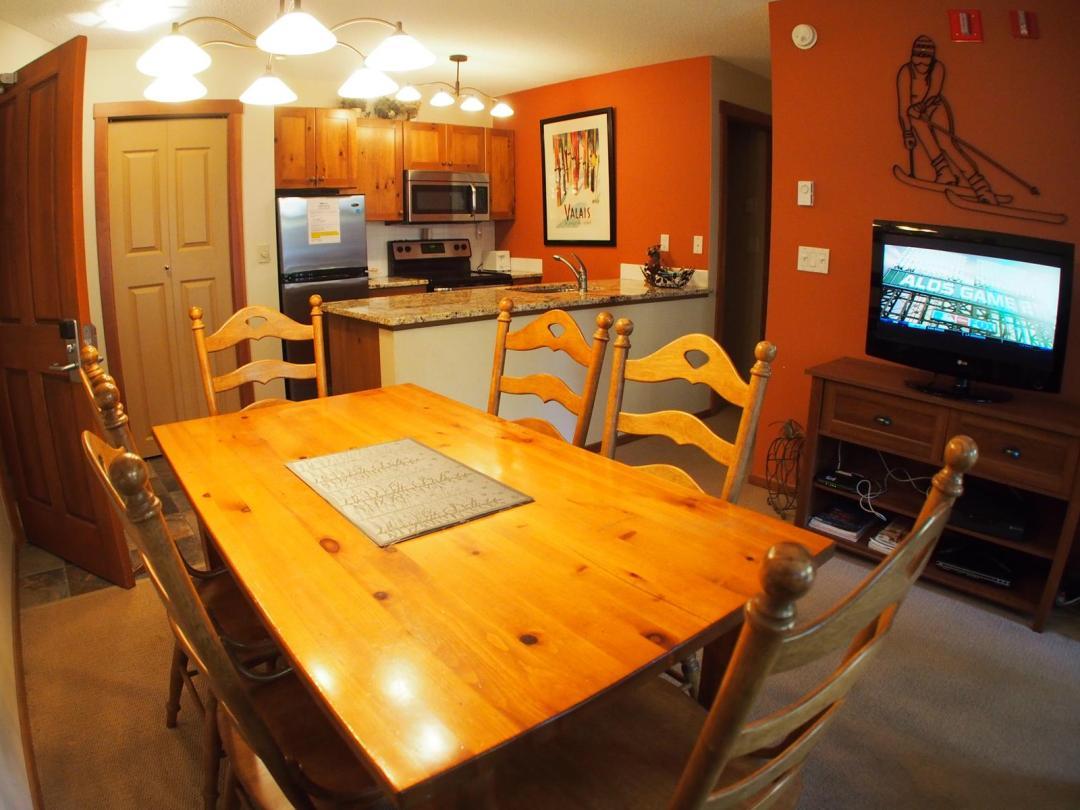 Fireside Lodge 2 Bedroom Unit #109 DR