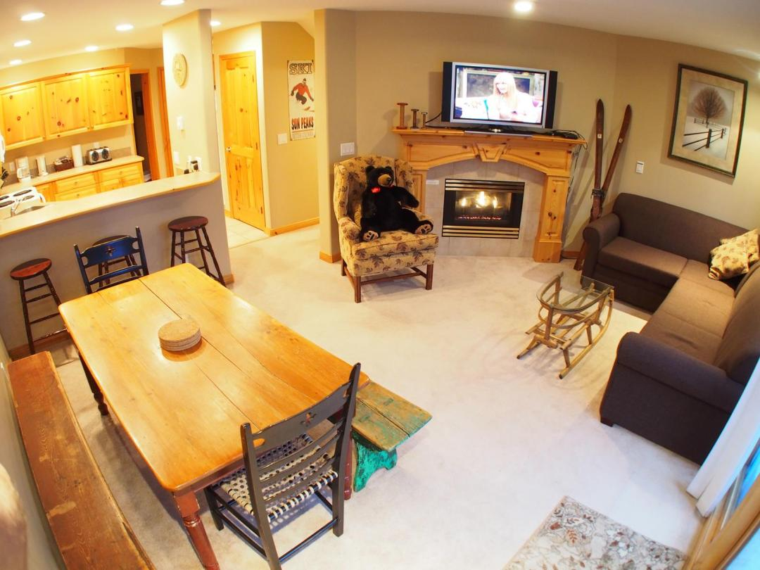 Snow Creek Village 4 Bedroom Unit #9 + Suite LR