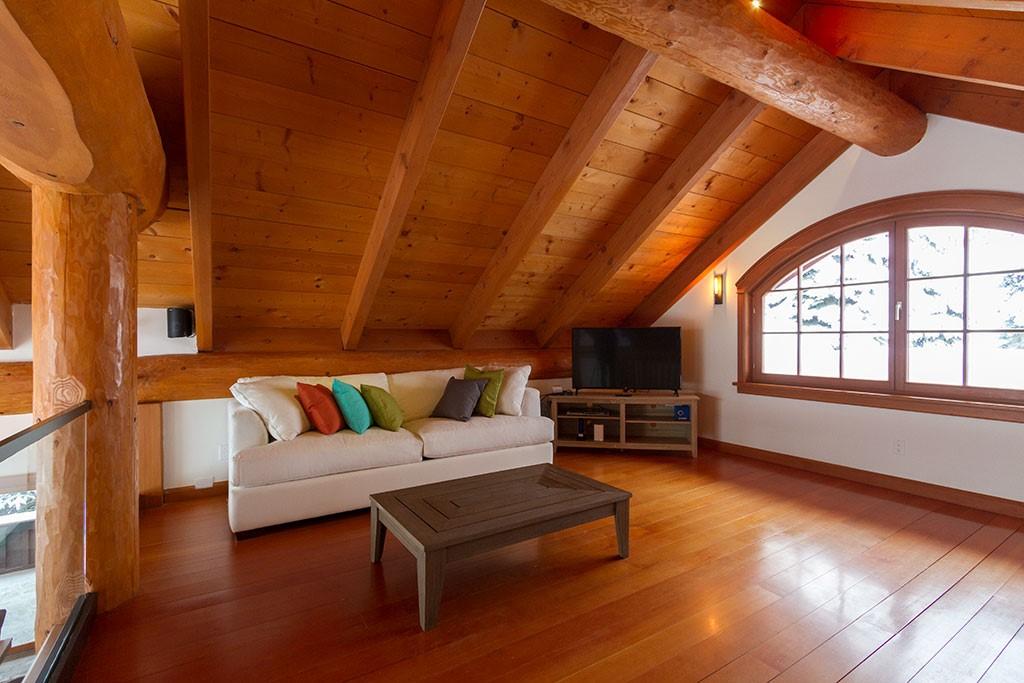 Peak Chalet Whistler Luxury Loft Area