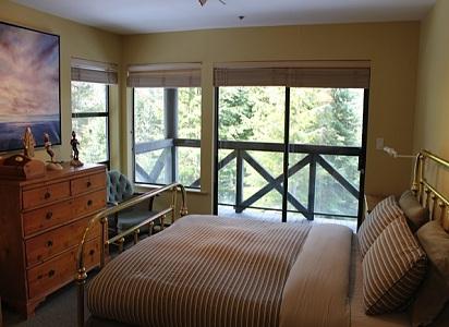 Pinnacle Ridge Whistler Accommodation 6 Bedroom