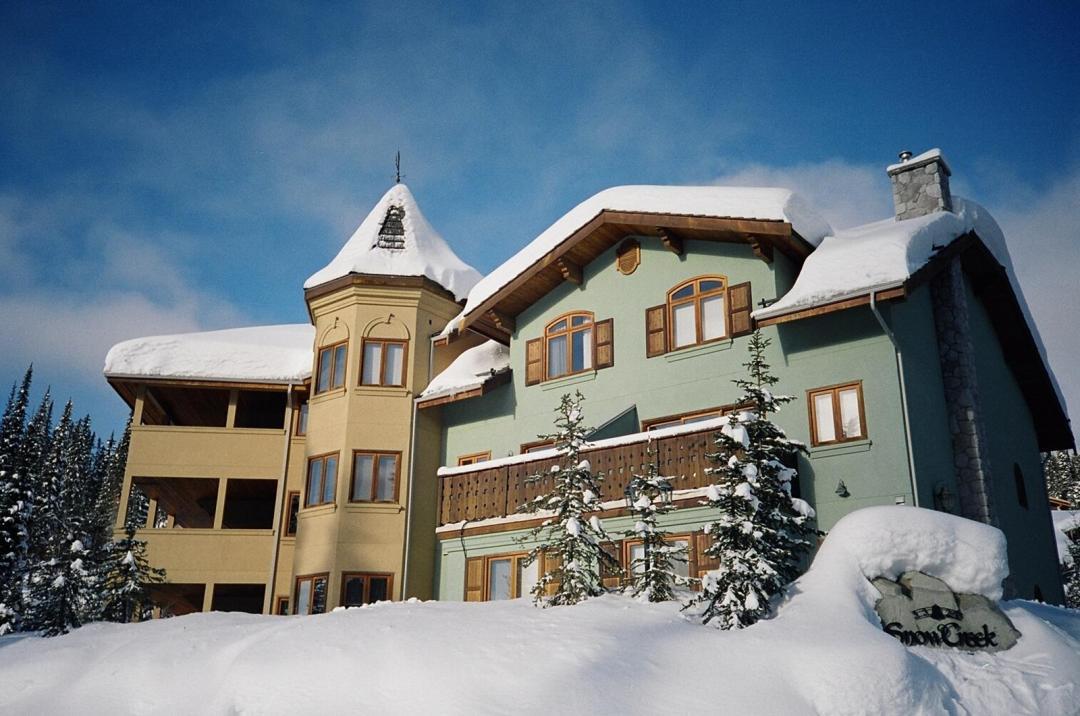 Snow Creek Village 4 Bedroom Unit #9 + Suite FOB