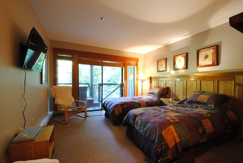 Whistler 4 Bedroom Pinnacle Ridge Bed Rm