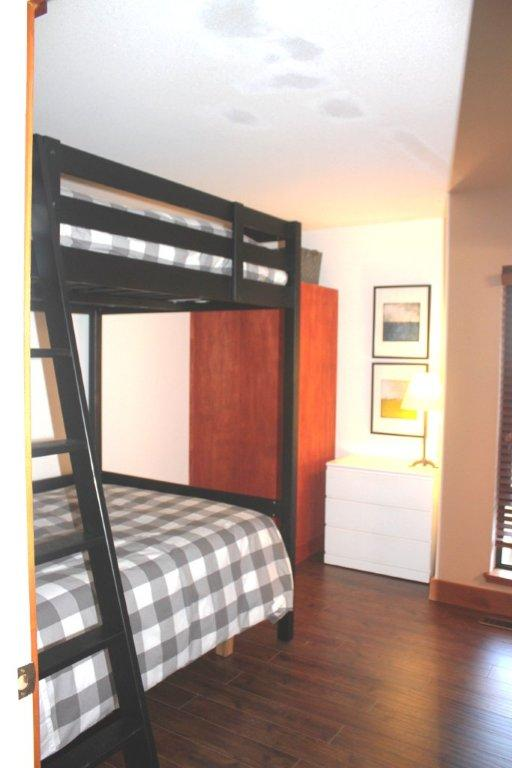Whistler 5 Bedroom Rental Bunks