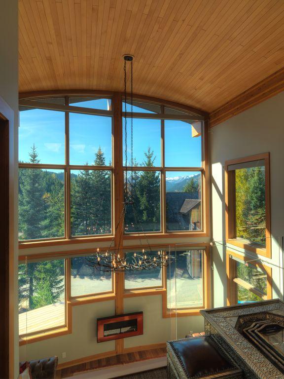 Whistler 5 Bedroom Ski In Ski Out Luxury Home (15)