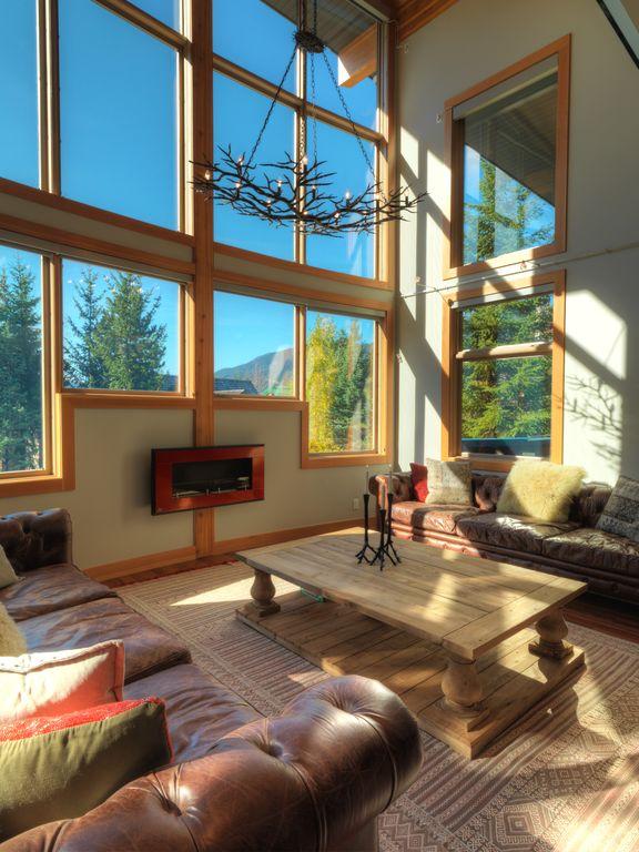 Whistler 5 Bedroom Ski In Ski Out Luxury Home (16)