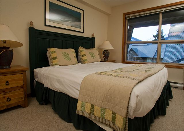 Whistler Accommodation Aspens on Blackcomb 563 Bdrm