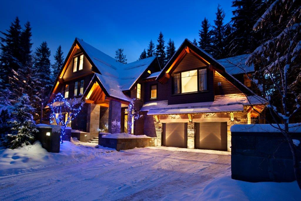 Whistler Luxury 6 Bedroom Rental Balsalm Chalet (2)