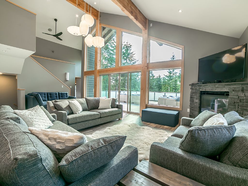 Whistler Luxury Chalet Rental (21)