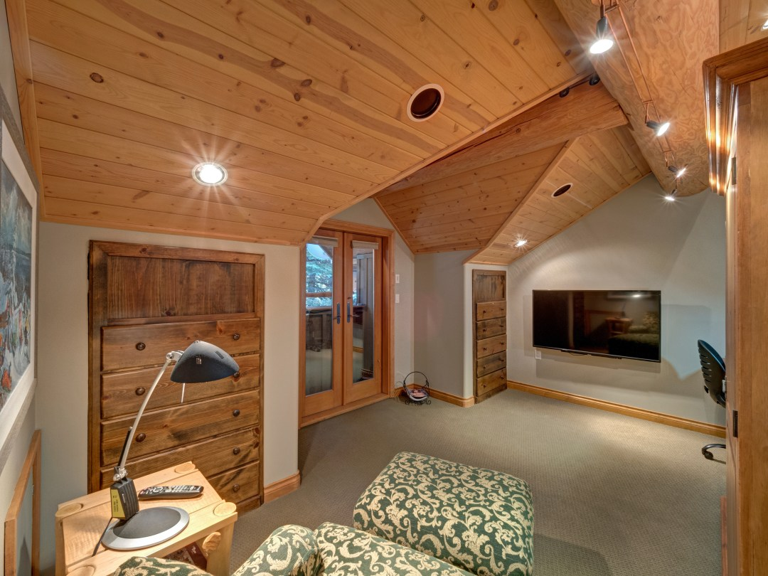 Whistler Luxury Ski In Ski Out 5 Bedroom Chalet Home (21)