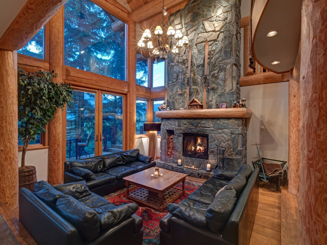 Whistler Luxury Ski In Ski Out 5 Bedroom Chalet Home (47)