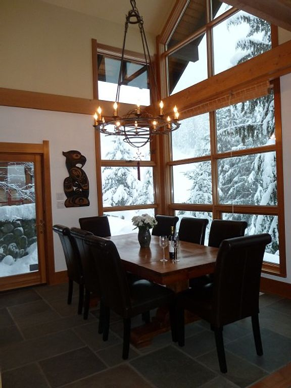 Whistler Luxury Ski In Ski Out Rental Home (12)