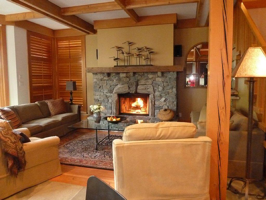 Whistler Luxury Ski In Ski Out Rental Home (2)