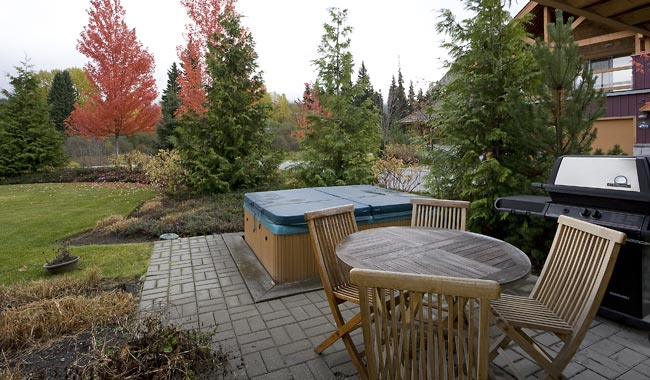 Whistler Montebello Village Townhomes (1)
