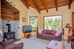 Whistler Mountain Rental House 6 Bedroom (21)
