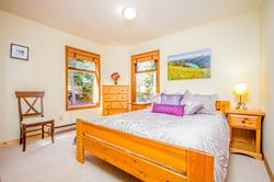 Whistler Mountain Rental House 6 Bedroom (9)