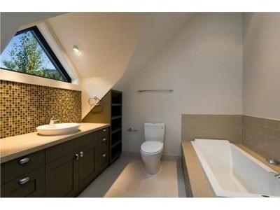 whistler-pinnacle-ridge-30-bathroom