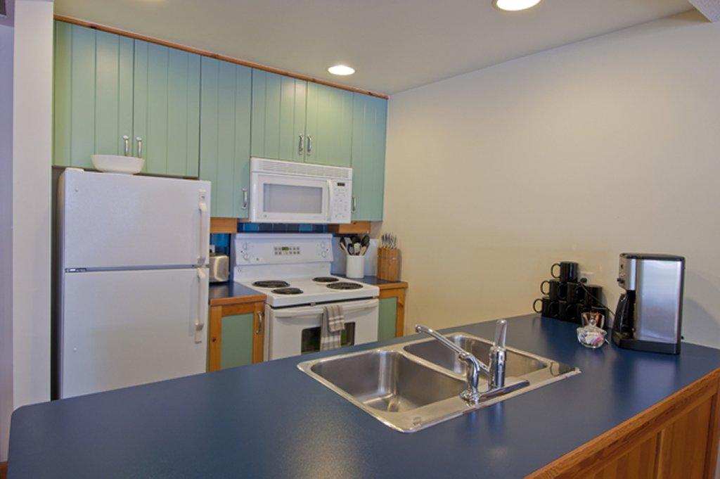 Whistler The Legends 1 BR Kitchen