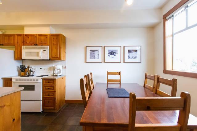 Whistler Village Accommodation - Granite Court Dining