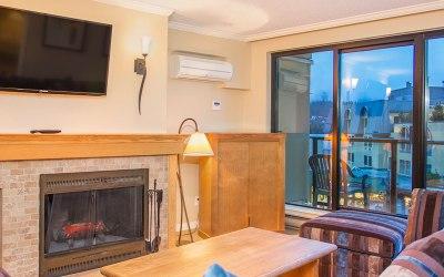 Apartment Whistler Village – 307 Carleton Lodge Ski In Ski Out