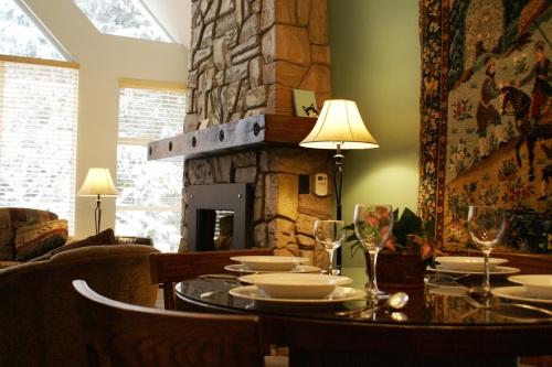 Woodrun Lodge Whistler 618