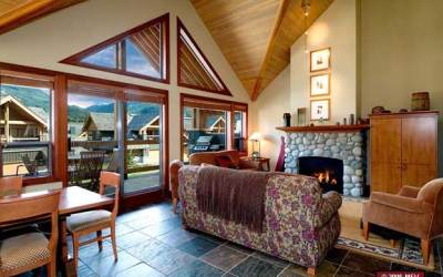 3 – 4 Bedroom Montebello Whistler Village Accommodation