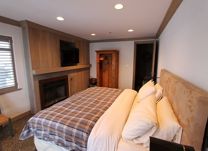 Whistler Pinnacle Accommodation 5 Bedroom