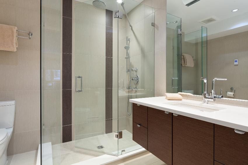 whistler 4 bedroom ski in ski out bath room