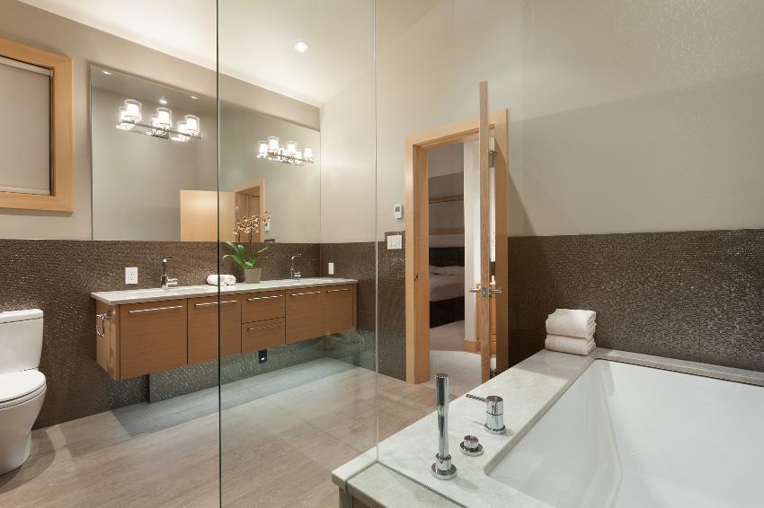 whistler 4 bedroom ski in ski out bathroom