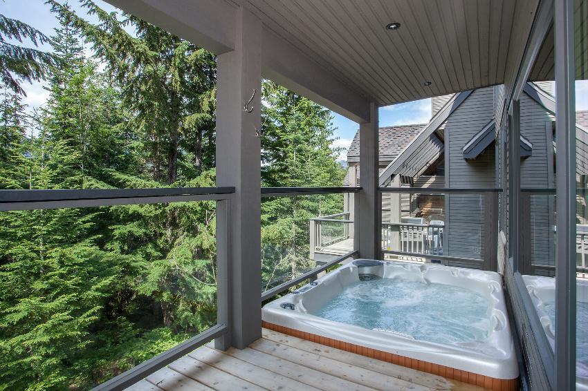 whistler 4 bedroom ski in ski out hot tub