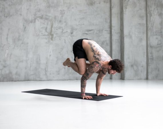 The Crow helps develop arm muscle